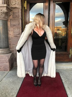 Sabryne escorts in South Laurel