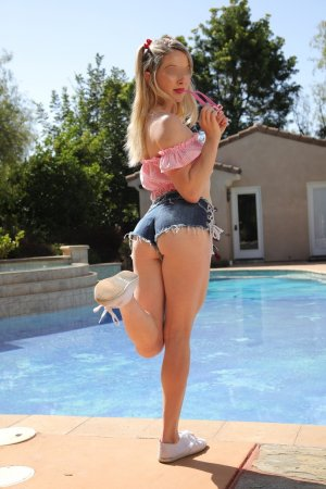 Xaverine escort girl in Oswego