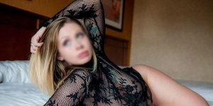 Ester live escort in Woodward