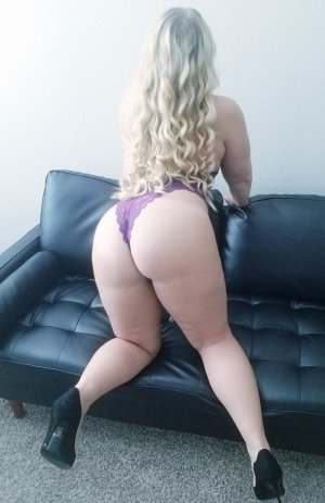 Workhiya outcall escort in Marion